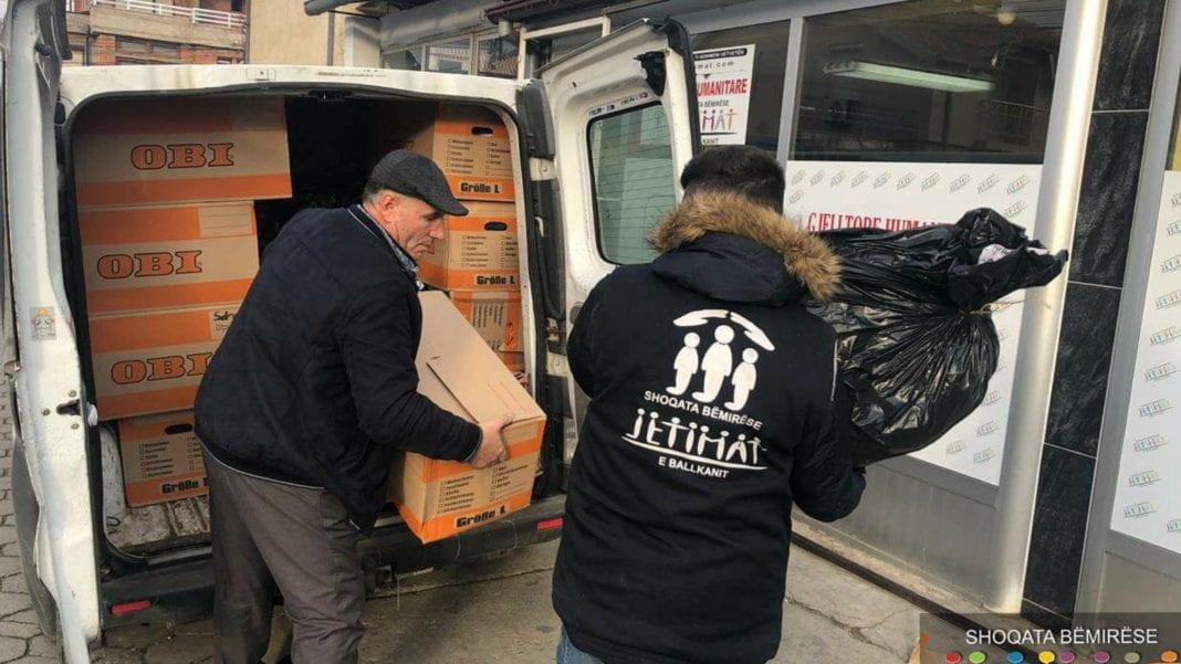 Kompania Aroma Reisen dhuron veshmbathje për Shoqatën Jetimat e Ballkanit